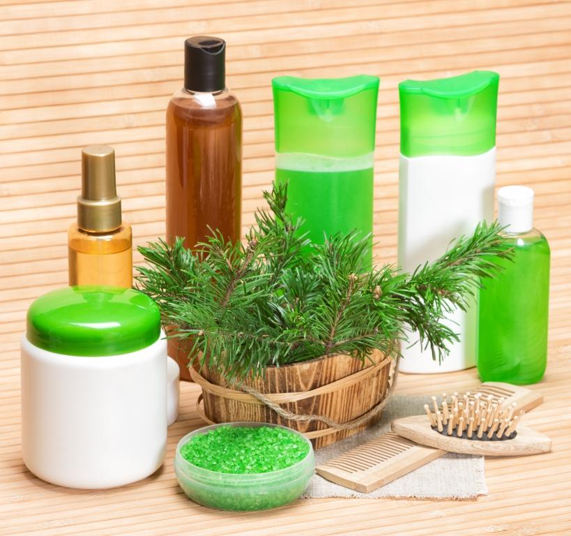 Biologisches Reinigungsmittel für das Säubern im Haushalt verwenden