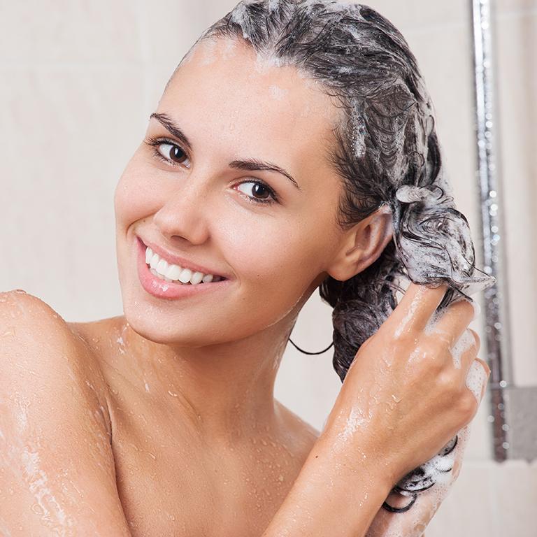 Pravidelné umývanie vlasov, výmena posteľnej bielizne